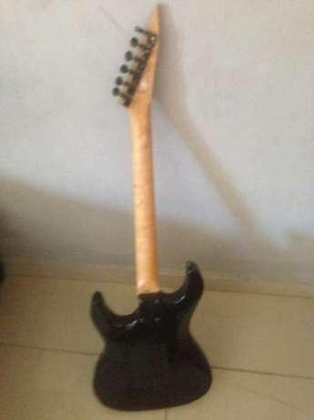 Guitarra elétrica (baixo/solo) Maputo - imagem 3