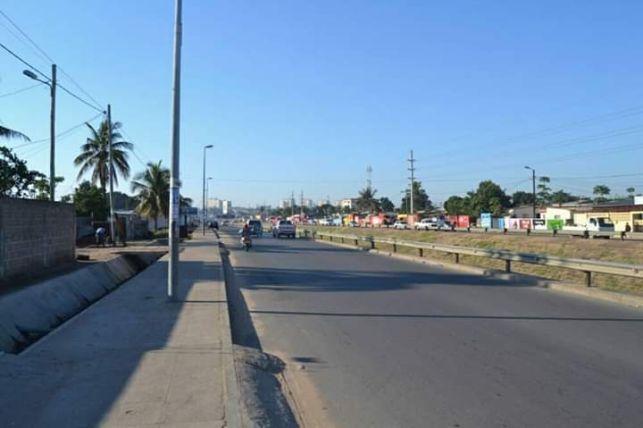Arrendo espaço a beira da Estrada ideal pra Parque de Viatura. J Chiss Maputo - imagem 1