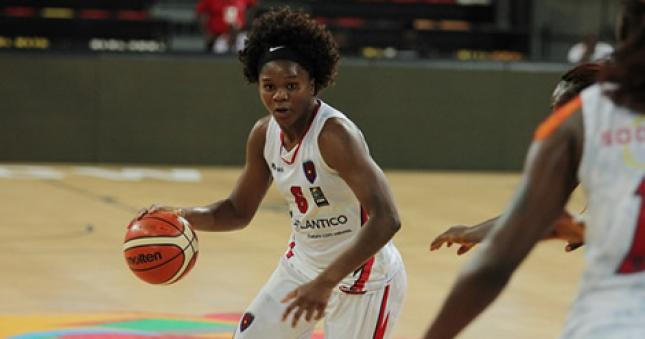 PR felicita atleta da selecção de basquetebol feminino Leia Dongue