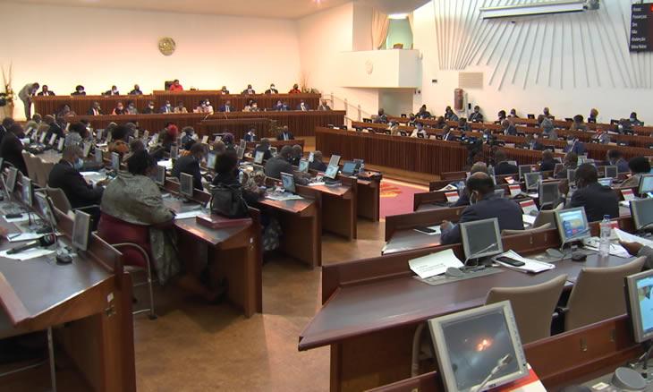Assembleia da República aprova terceira prorrogação do Estado de Emergência