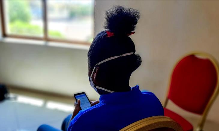 Raparigas queixam-se de assédio sexual nas redes sociais em Inhambane