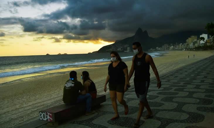 COVID-19: Brasil ultrapassa pela primeira vez mil mortos em 24 horas e Bolsonaro com mais uma baixa no Governo
