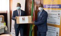 MISAU recebe da Frelimo equipamento de protecção para profissionais de saúde