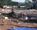 Vendedores tomam de assalto o espaço onde a edilidade de Maputo removeu bancas