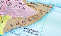 Pelo menos 10 pessoas morrem em atentado contra miniautocarro na Somália