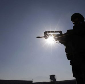 Talibãs acusam EUA de violar acordo de Doha assinado em Fevereiro