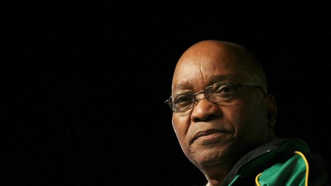 """Zuma diz-se pronto a ser """"o primeiro prisioneiro"""" do TC sul-africano"""