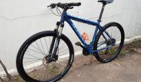 Silverback 29 Large azul, estado nova, pneus hornet, travoes hidraulic Sommerschield - imagem 1